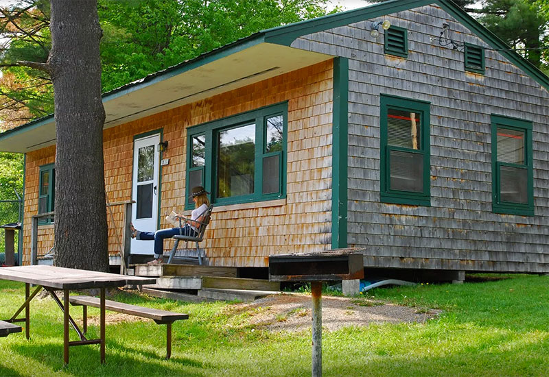 The cottage accommodates up to 6 people