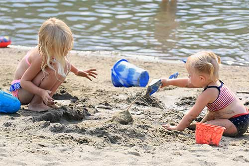 Kids having fun on the beach at Camp Plymouth State Park (photo credit: Robert Kautz)
