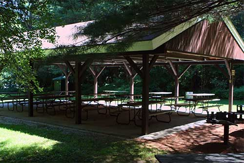 The picnic pavilion at Emerald Lake State Park