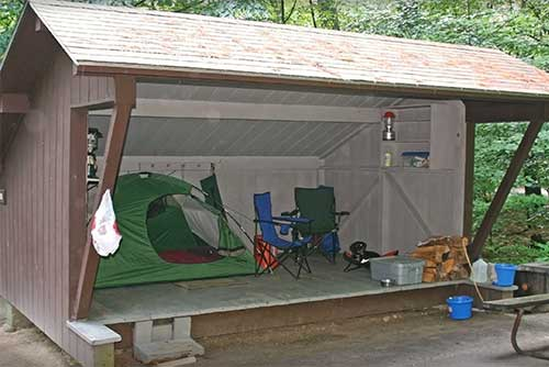 A lean-to campsite at Jamaica State Park