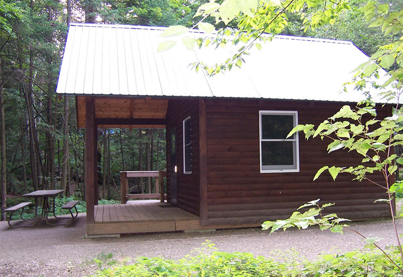 The Whitetail cabin at Gifford Woods
